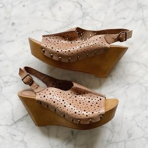 Natalia Blanco Perforated Leather Wedge Sandals 9M